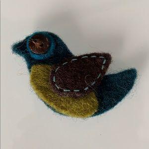 Jewelry - 4/20 Wool felt bird brooch
